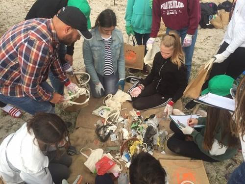 Durante este curso escolar 2018-19 se han realizado 50 limpiezas del litoral de Palma con la participación de más de 2.000 voluntarios